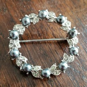 Vintage circle brooch grey faux pearls silver tone